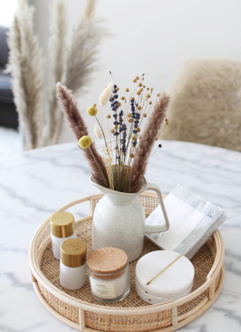 Interior Design: Marble & Dry Flowers